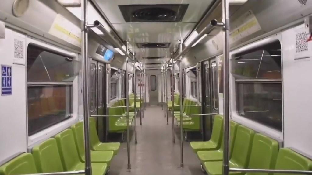 Metro con avance lento de trenes por lluvias - Interior de vagón de la Línea 3 del Metro. Captura de pantalla