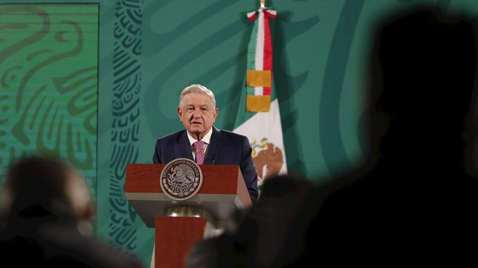 """Pese a contagio de COVID-19, López Obrador no usará cubrebocas. """"Ya no contagio"""", asegura - El presidente López Obrador. Foto de EFE/José Méndez."""