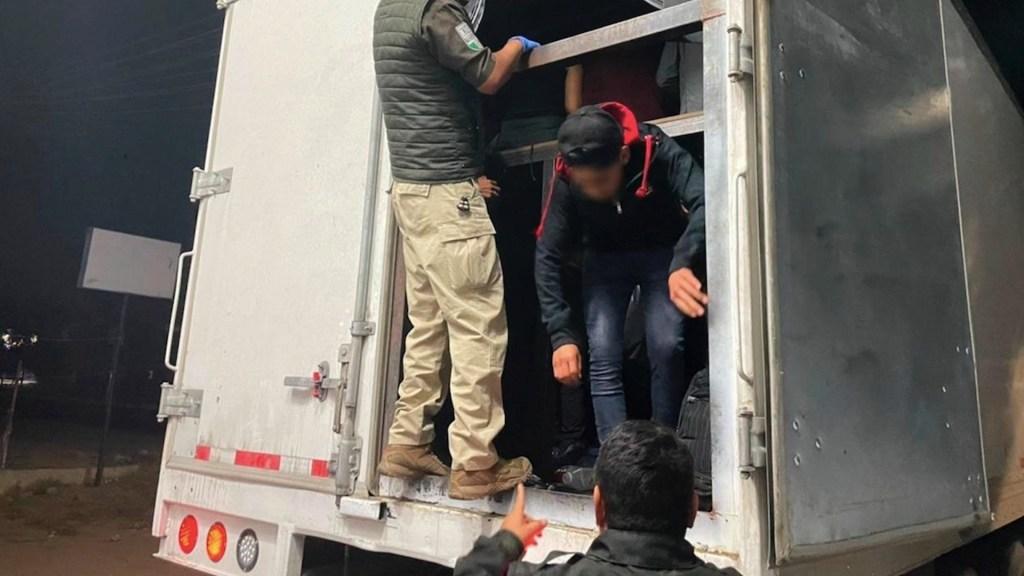 Rescatan a 235 migrantes centroamericanos cuando viajaban en autobuses en Oaxaca y Veracruz - Foto de EFE