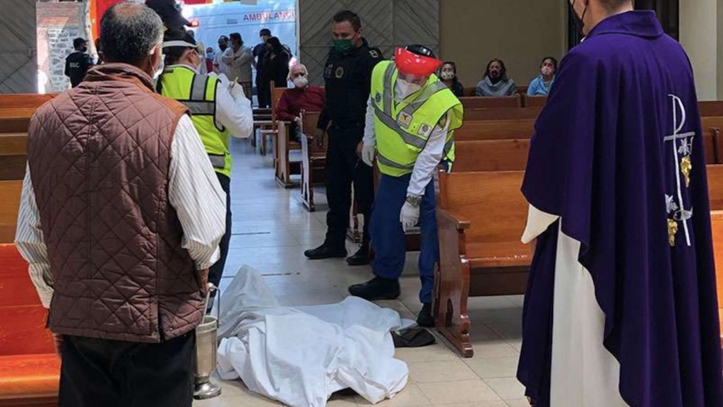 Muere hombre por infarto fulminante cuando ingresó de rodillas a iglesia en Tlalpan - Foto de ACIR Prensa