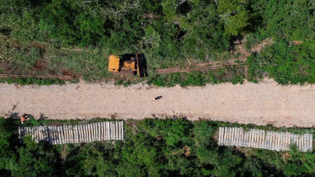 Ejército mexicano construye tramo 5 norte de Tren Maya tras cancelar concurso - Foto de EFE