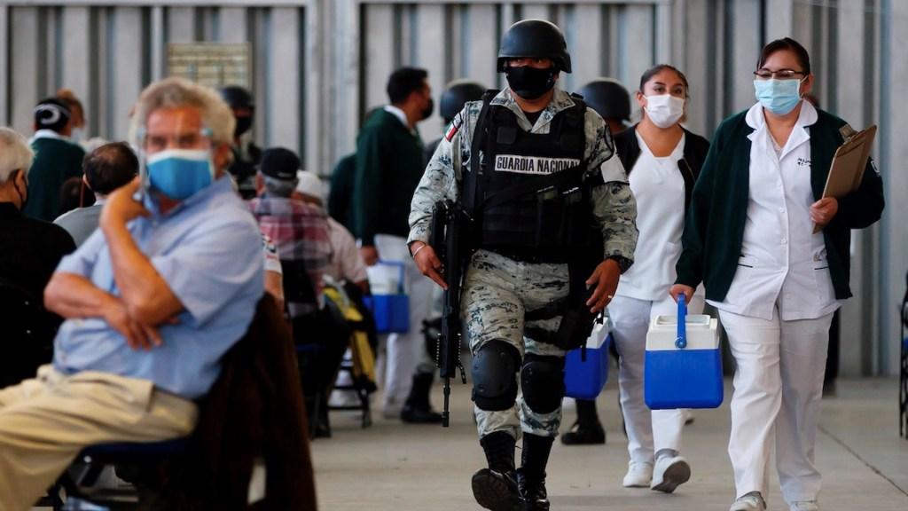 México, a un año del primer caso de COVID-19: 184 mil muertos, una economía maltrecha y esperanza por la vacunación - Foto de EFE