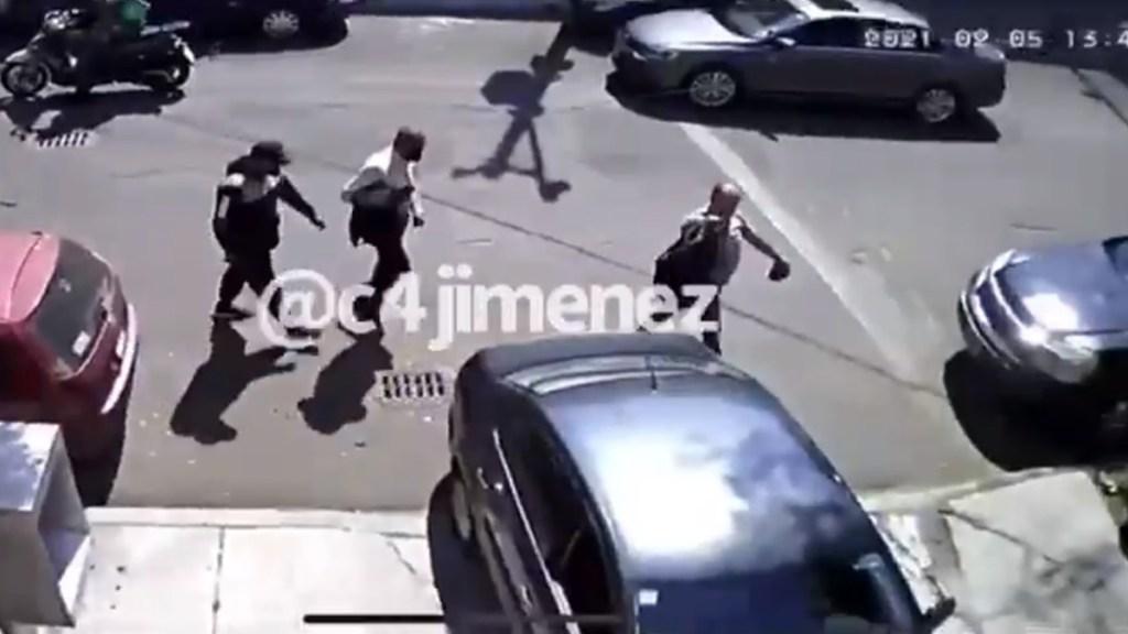 #Video Asesinan en CDMX a hombre para robarle 232 mil dólares - Víctimas de agresión armada para robo de 232 mil dólares. Foto de @c4jimenez