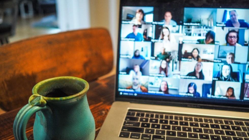 Videoconferencias generan cansancio, pero se puede tratar de evitarlo - Foto de Chris Montgomery para Unsplash