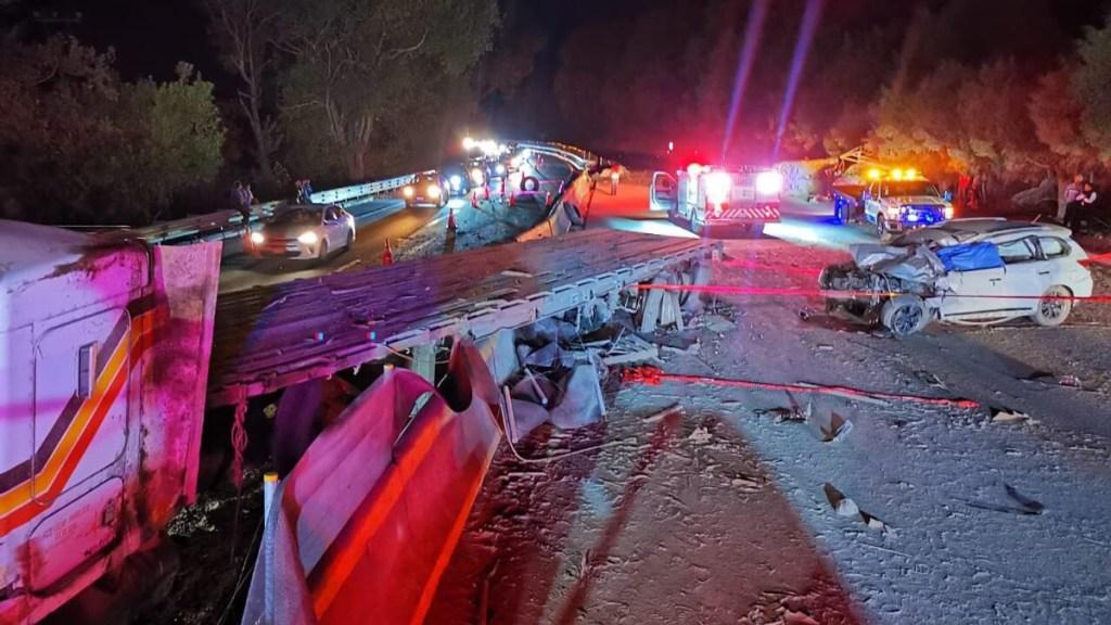 Carambola sobre la autopista México-Cuernavaca deja dos muertos - Accidente vial sobre la México-Cuernavaca. Foto de @DiariodeMorelos
