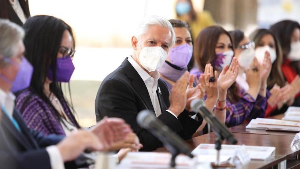 Firma Alfredo Del Mazo el 'Acuerdo por la Igualdad' en Edomex - Foto de Twitter Alfredo del Mazo