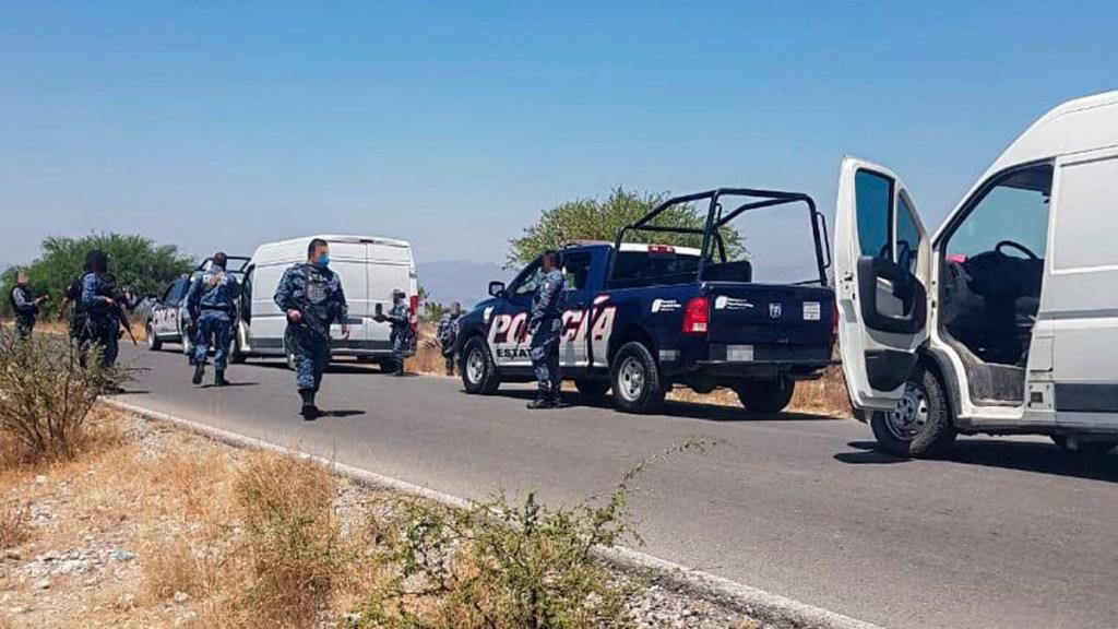 Aseguran en Hidalgo a 127 migrantes centroamericanos; algunos padecen COVID-19 - Aseguramiento de migrantes centroamericanos en Hidalgo. Foto de @SeguridadPublicaHGO