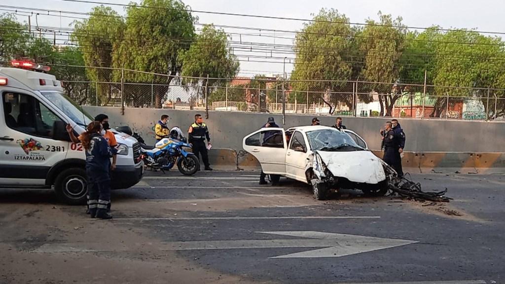 Choque sobre Calzada Ignacio Zaragoza deja un muerto; conductor viajaba en presunto estado de ebriedad - Choque sobre la Calzada Ignacio Zaragoza que dejó un muerto. Foto de @GaboOrtega73