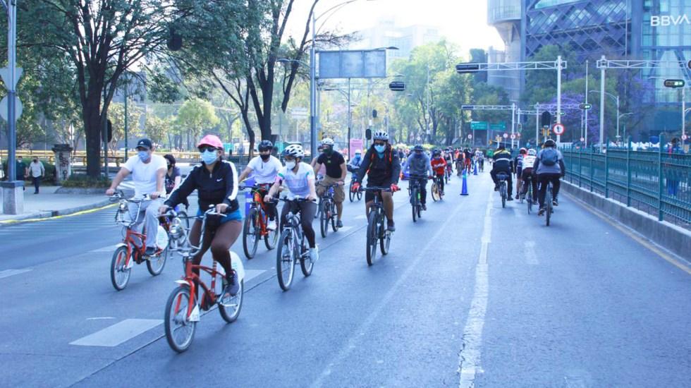 Más de 53 mil personas participaron en regreso del paseo dominical Muévete en Bici - Ciclistas durante paseo dominical Muévete en Bici. Foto de @LaSEMOVI