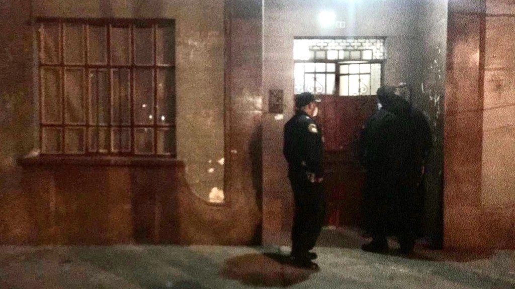 Encuentran maniatada a mujer en cuarto de azotea en la Condesa - Foto de @Titulares24hrs