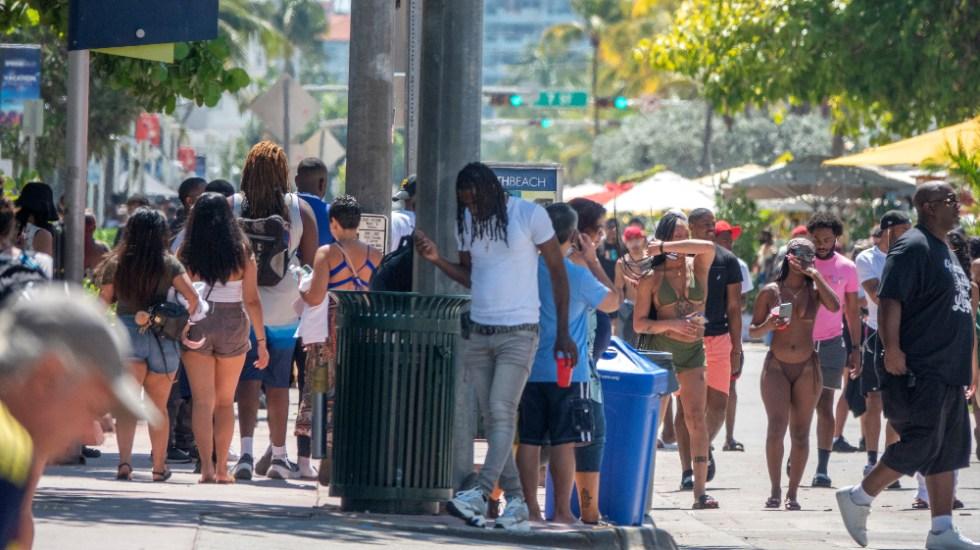 Florida, el tercer estado de EE.UU. con más de dos millones de casos de COVID-19 - Foto de EFE