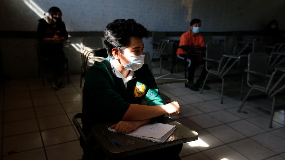 """""""No es el mejor momento para reabrir las escuelas"""": Dr. Francisco Moreno - Jalisco Zapopan clases presenciales escuelas"""