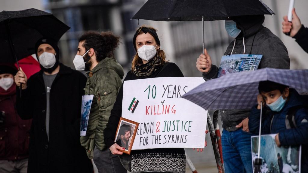 México pide fin a la violencia en Siria ante Consejo de Seguridad de la ONU - Manifestación en Berlín contra conflicto en Siria. Foto de EFE