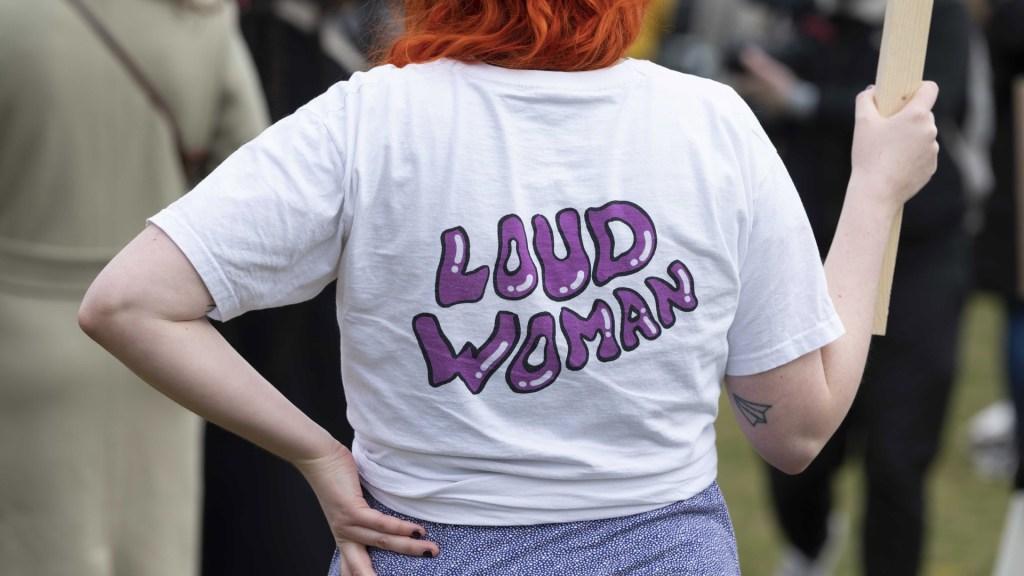 COVID-19 obliga a un Día de la Mujer virtual y sin aglomeraciones - Manifestación feminista en Ámsterdam