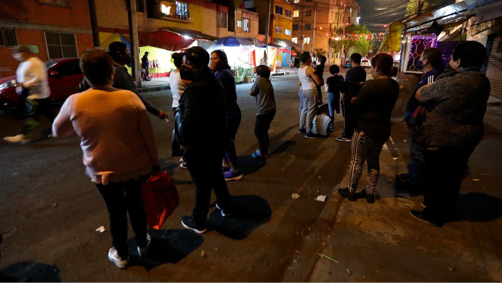 Van 24 réplicas del sismo de magnitud 5.7 en Guerrero - Foto de EFE