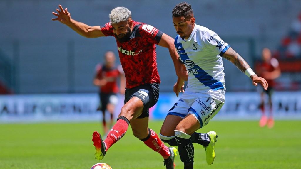 Con 10 jugadores Puebla empata a Toluca 4-4 en la Jornada 12 - Toluca Partido futbol México