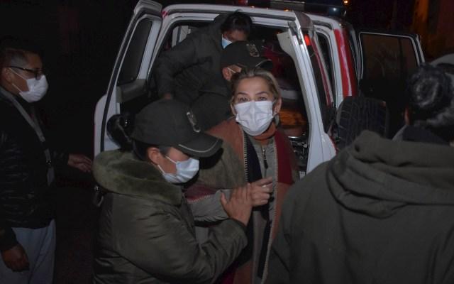 Fiscalía de Bolivia admite acusación por genocidio contra Jeanine Áñez - La expresidenta interina de Bolivia, Jeanine Áñez fue trasladada a otra prisión en La Paz, Bolivia. Foto de EFE/ Stringer.