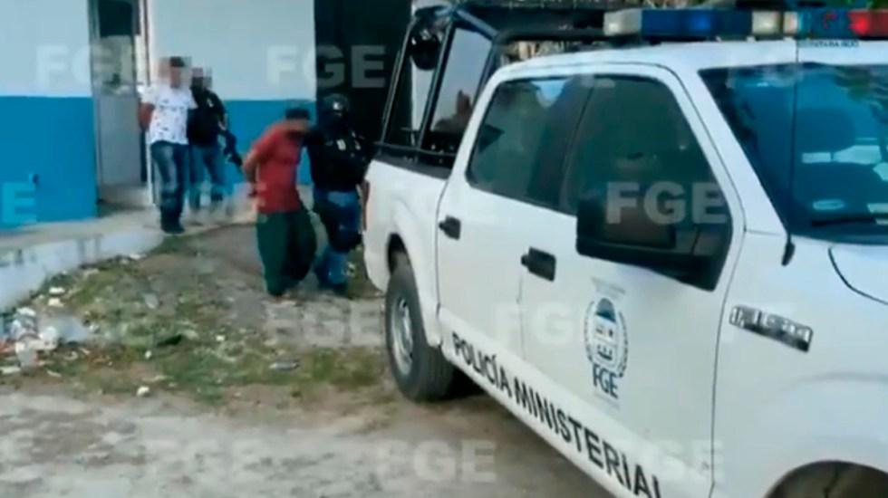 #Video Trasladan a la cárcel a policías de Tulum que asesinaron a Victoria Esperanza - Traslado a centro de retención de policías de Tulum implicados en asesinato de mujer. Foto de @FGEQuintanaRoo