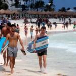 Viaje de graduación a Cancún deja 30 positivos por COVID-19