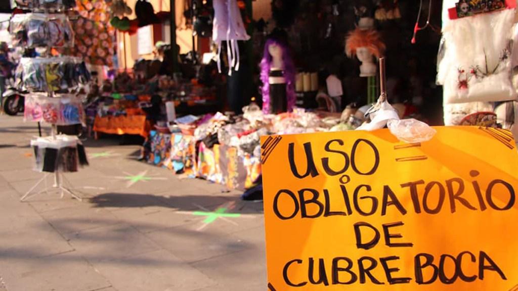 Xochimilco hace obligatorio el uso de cubrebocas; quienes incumplan, remitidos al juzgado cívico - Uso obligatorio de cubrebocas en zona comercial de la alcaldía Xochimilco. Foto de @XochimilcoAlcaldiaOficial