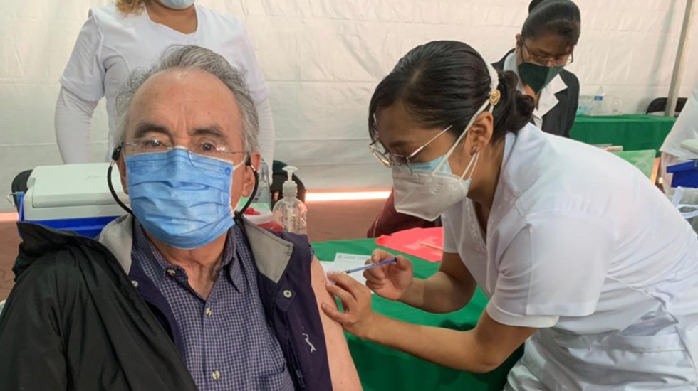 Hoy inicia la vacunación contra COVID-19 en la alcaldía Venustiano Carranza - Vacunación contra COVID-19 en la Ciudad de México. Foto de @GobCDMX