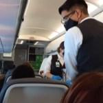 """Prohiben venta de alcohol en vuelo en que viajó AMLO a Cancún para evitar que pasajeros se """"alteren"""""""