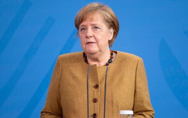 Angela Merkel recibe la primera dosis de la vacuna de AstraZeneca - Angela Merkel