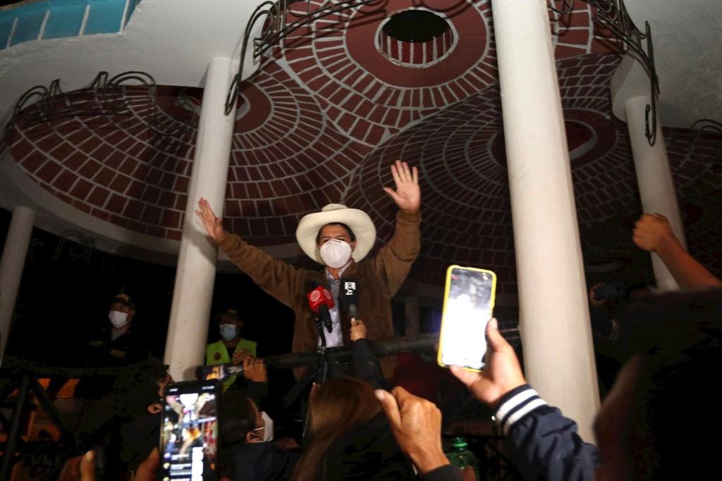 Elecciones Perú: Toda la presión está sobre Pedro Castillo, asegura Zovatto - Pedro Castillo