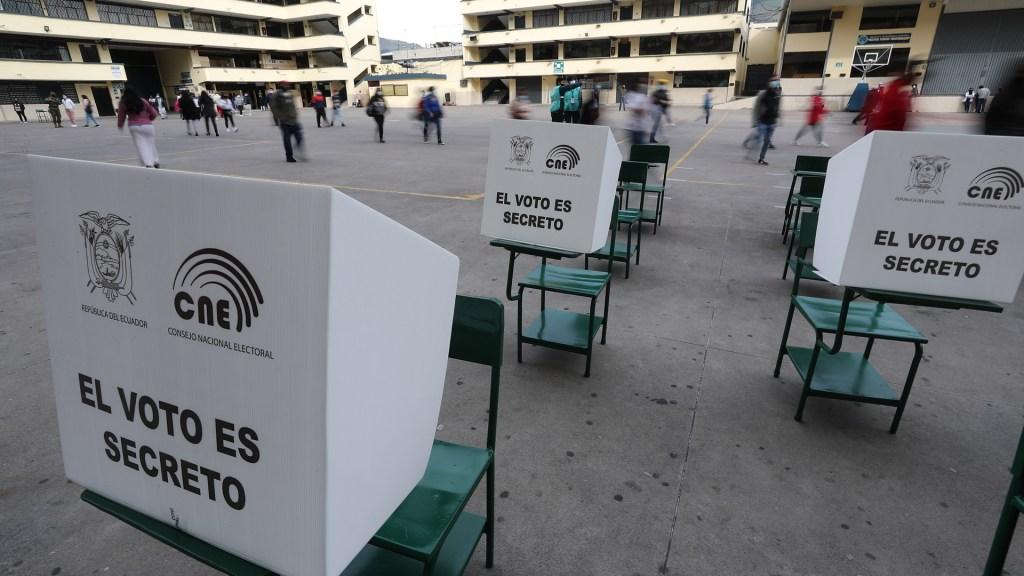 Ecuador vota por presidente y vicepresidente en segunda vuelta - Elecciones en Ecuador. Foto de EFE