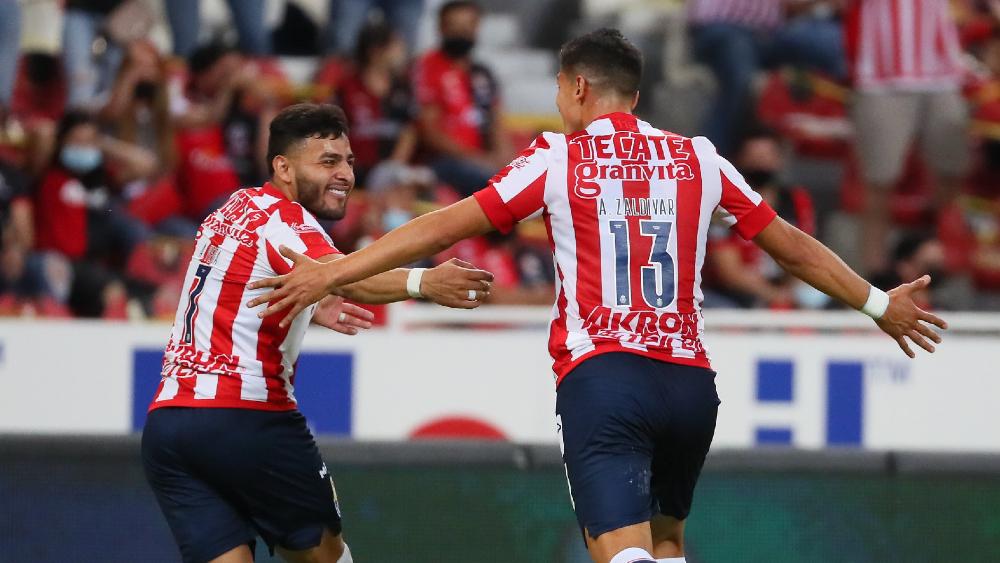 Chivas se lleva el Clásico Tapatío y se mete a puestos de liguilla - Chivas Clasico Tapatio