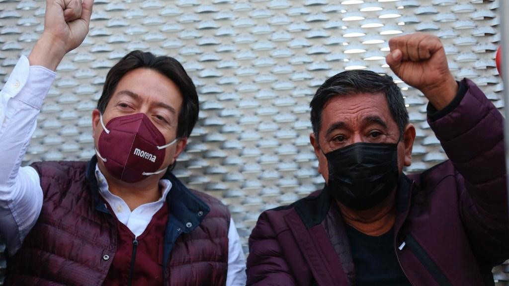 Félix Salgado Macedonio y Mario Delgado protestan frente al TEPJF a la espera de la resolución sobre candidatura - Mario Delgado y Félix Salgado Macedonio. Foto de EFE