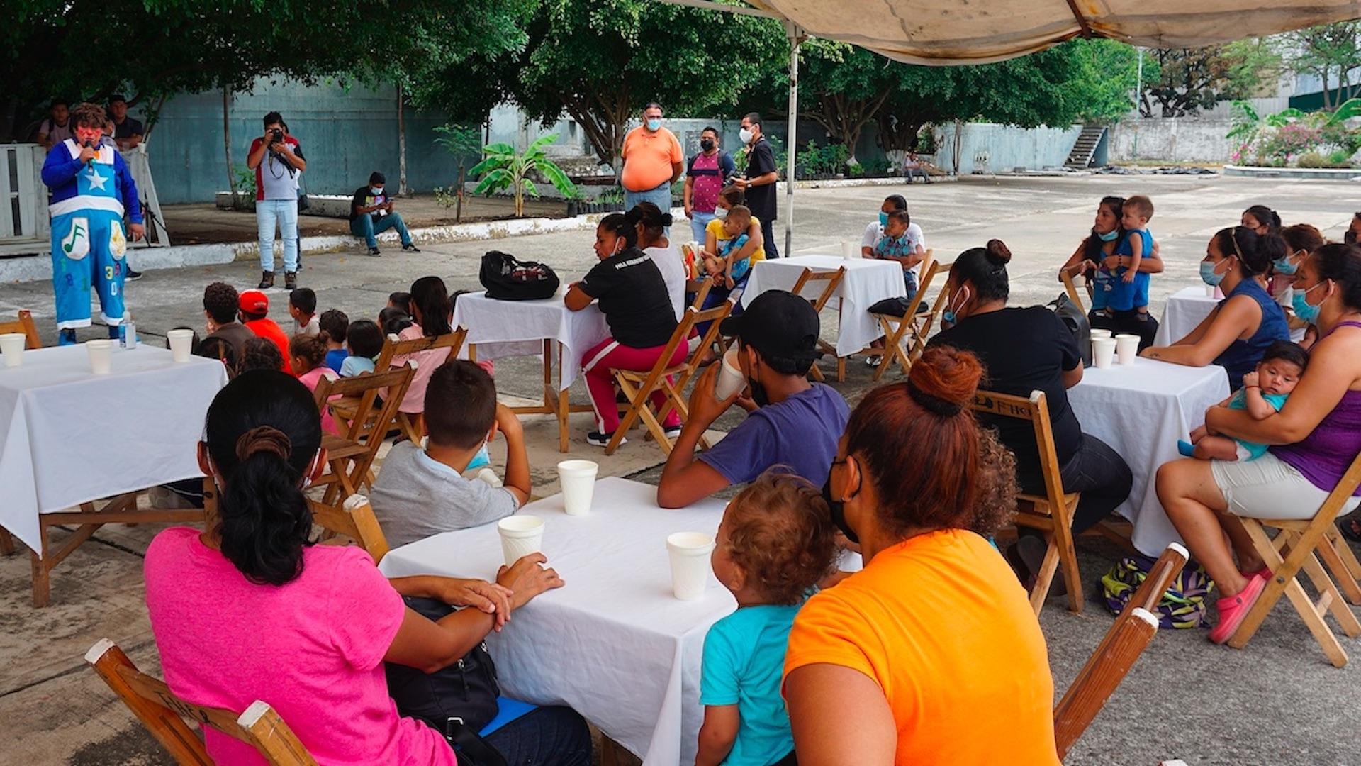Festejo del Día del Niño para menores migrantes. Foto de EFE