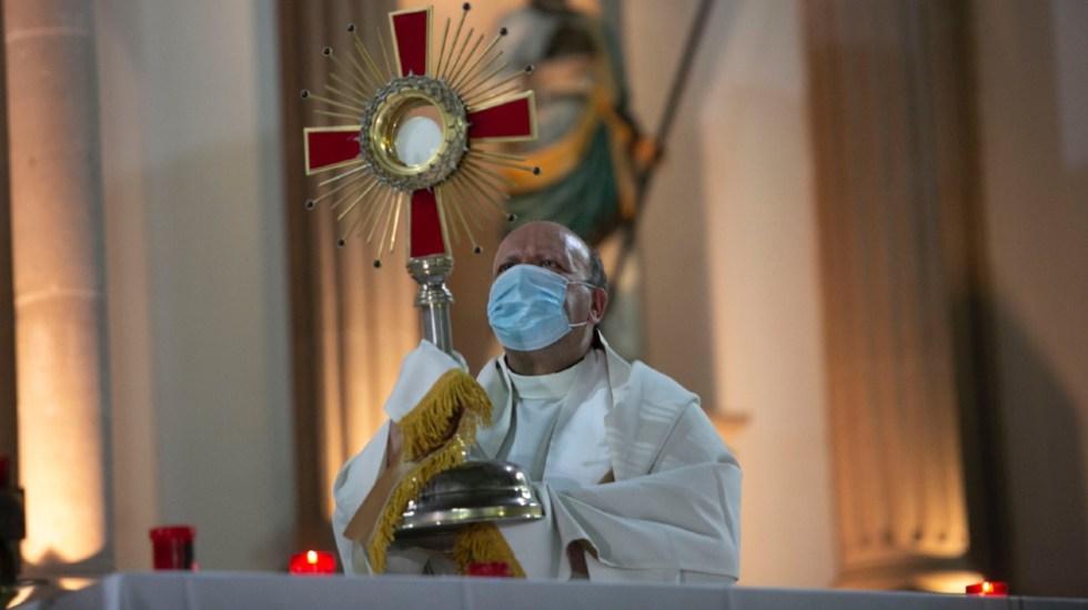 Llevando el consuelo del papa, el nuncio Franco Coppola parte rumbo a Aguililla - Franco Coppola