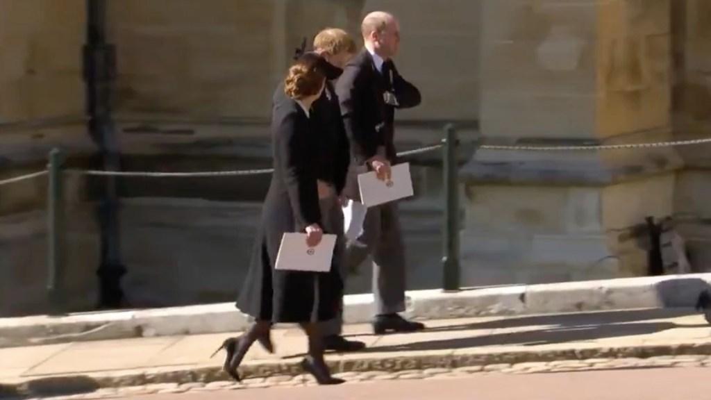 Harry y William se reencuentran en funeral del duque de Edimburgo - Harry y William se reencuentran después de un año. Foto tomada de video