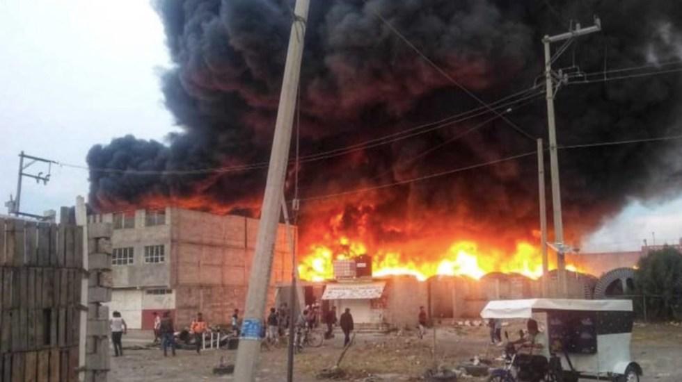 Regresan a sus domicilios vecinos desalojados por incendio en Tezoyuca - Incendio en Tezoyuca, Estado de México. Foto de Radio Fórmula