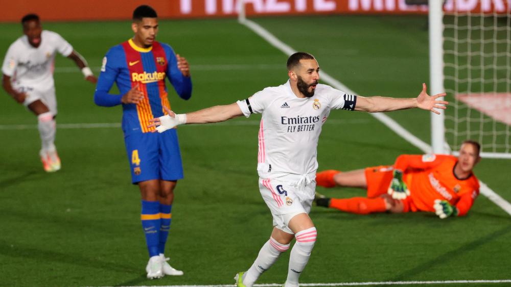 Real Madrid gana el Clásico y ya es líder en España - Karin Benzema Real Madrid