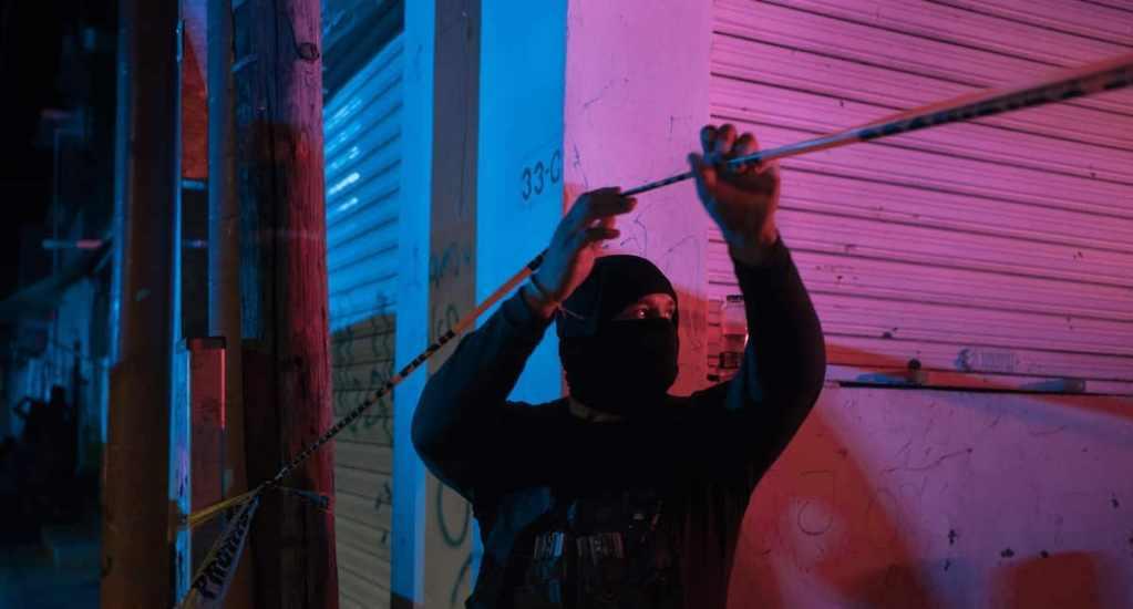 Premian a Mary Beth Sheridan, de The Washington Post México, por investigación sobre delincuencia organizada - Portada del trabajo periodístico 'Losing Control' del Washington Post, de la mano de su corresponsal en México, Mary Beth Sheridan. Foto de Luis Antonio Rojas.