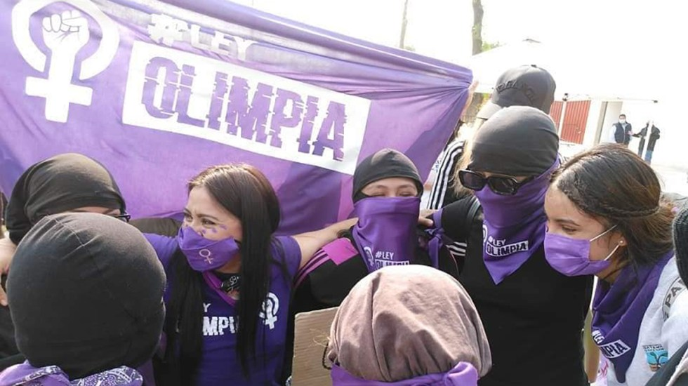 Feministas se manifiestan afuera de San Lázaro a favor de la Ley Olimpia - Manifestación de Olimpia Coral a favor de la Ley Olimpia, Foto de Olimpia Coral / Facebook
