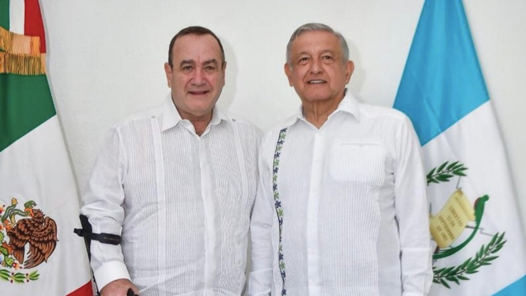 Presidente de Guatemala inicia viaje de dos días a México - Presidente de Guatemala realizará visita de trabajo a México. Foto de @GuatemalaGob
