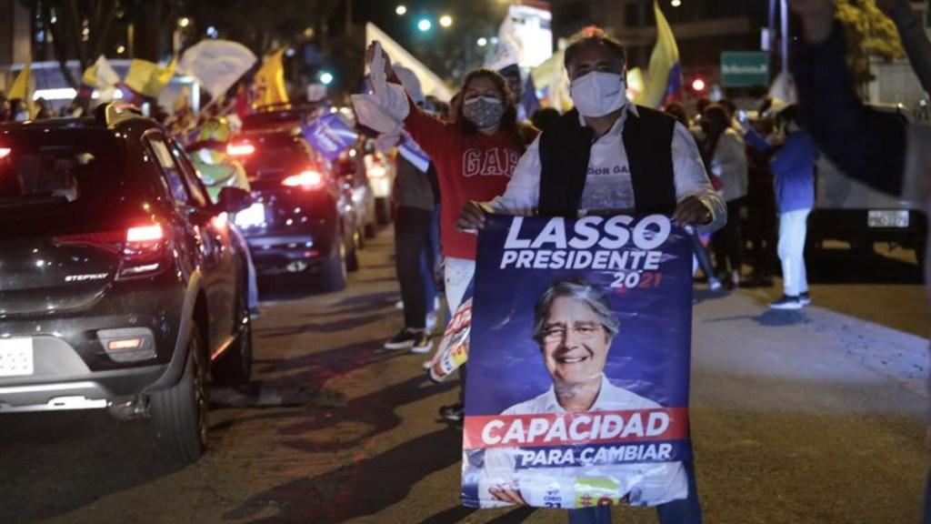 Aventaja Guillermo Lasso en la elección presidencial de Ecuador - Simpatizantes del candidato presidencial Guillermo Lasso