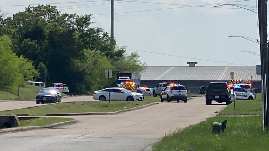 Tiroteo en planta de ebanistería en Bryan, Texas, deja un muerto - Tiroteo Texas Estados Unidos disparos