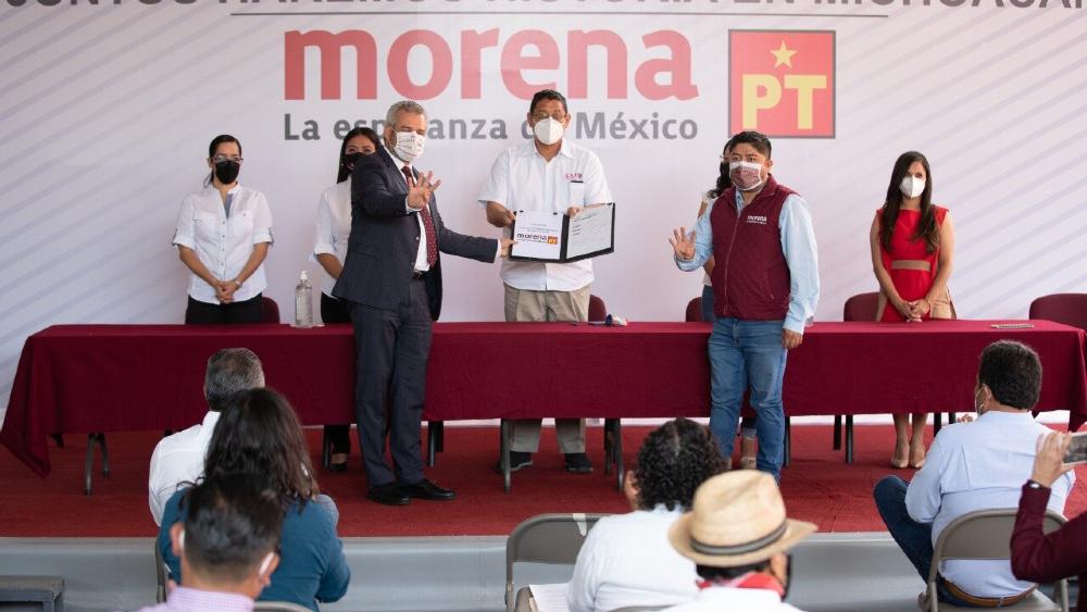 Alfredo Ramírez se registra como candidato de Morena en Michoacán - Alfredo Ramírez Bedolla