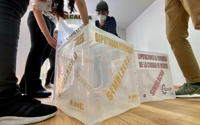 Elecciones 2021, las más grandes y libres de la historia de México: Lorenzo Córdova - Armado de urnas depositarias de votos. Foto de INE