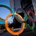 Estados Unidos alimenta la incertidumbre sobre los Juegos Olímpicos de Tokio - Aros olímpicos en Tokio, Japón. Foto de EFE