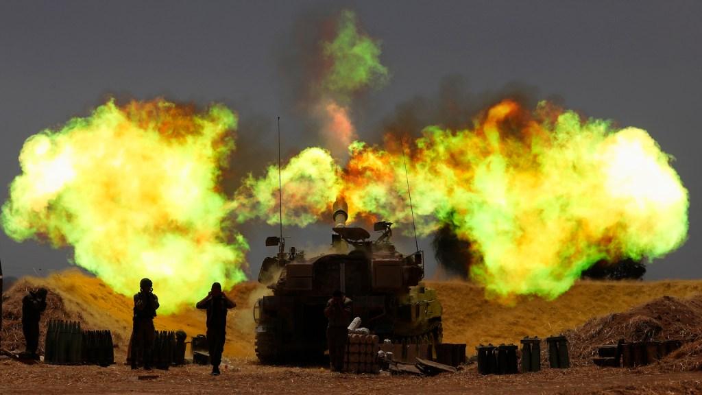Aumentan los muertos en la tercera jornada de violencia entre Israel y Gaza - Artillería israelí. Foto de EFE