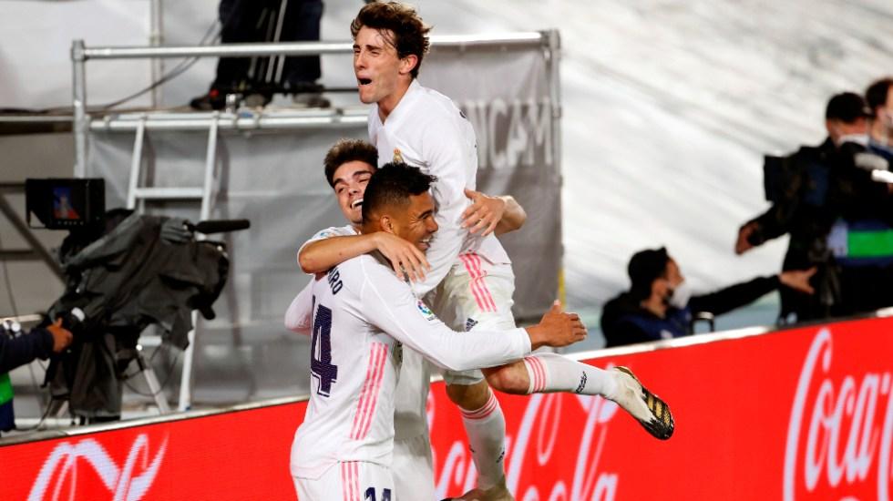 Real Madrid gana al Osasuna y se aferra a la Liga - Casemiro Real Madrid