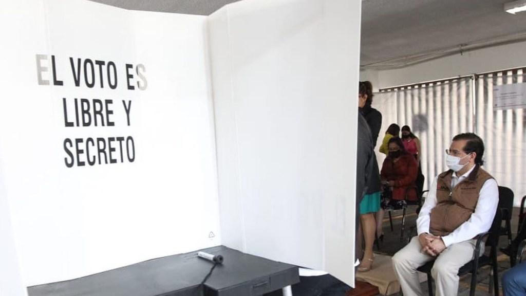 """Intelectuales llaman a no votar por Morena; """"urge poner un alto"""", afirman - Casilla para votar. Foto de @lorenzocordovav"""