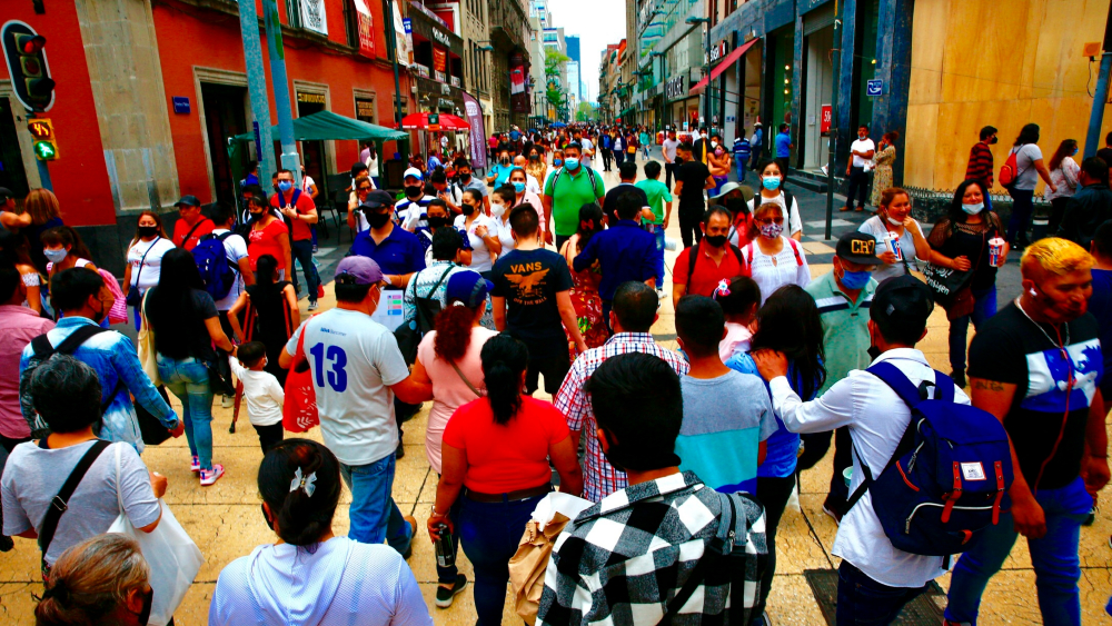 Ciudad de México se reactiva con optimismo por menor riesgo y Día de las Madres - Ciudad de México CDMX Centro Histórico