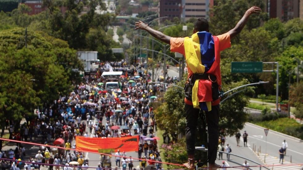 Continúan protestas en Colombia, ahora también exigen frenar violencia - Continúan las protestas en Colombia. Foto de EFE
