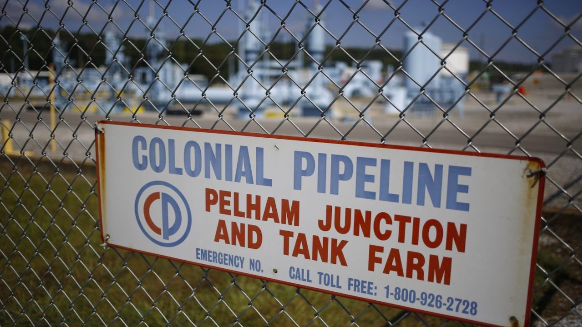 Mayor red de oleoductos de EE.UU. suspende operaciones por ciberataque. Foto de Bloomberg